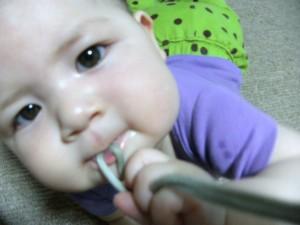 Mariya bites a string